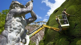 Powis Castle extreme gardening with cherry picker