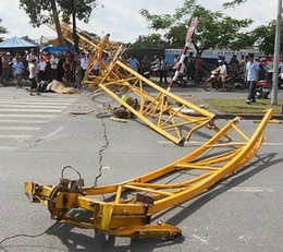 Fatal tower crane collapse in Vietnam