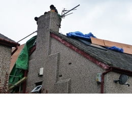 Dangerous roof work caught on camera
