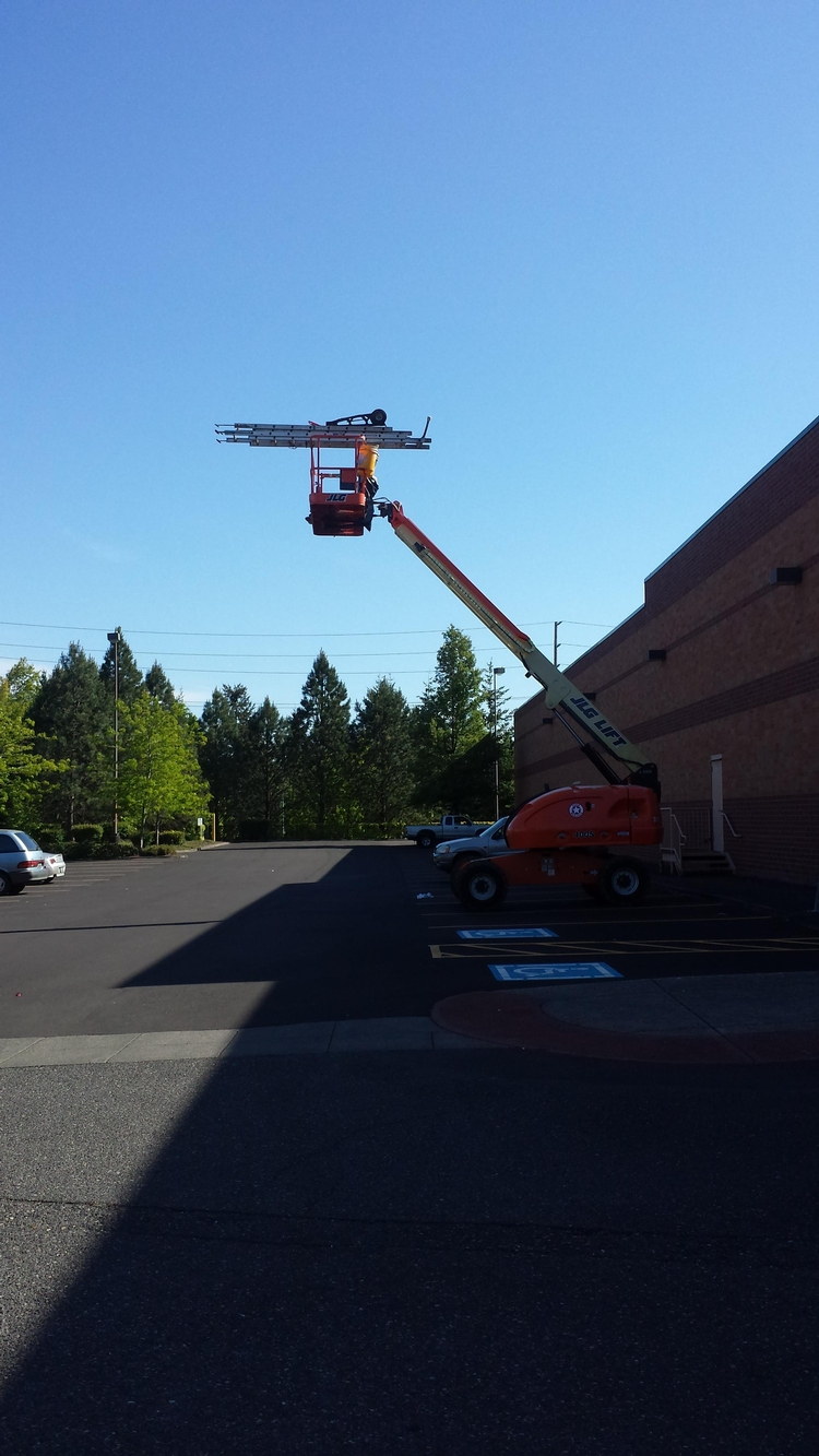 Picture of It's a cherry picker, not a ladder store!