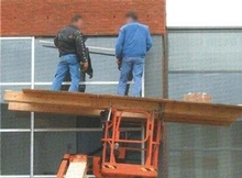 Scissor lift fail