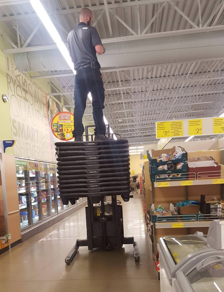 Picture of Not a safe way to work in a shop